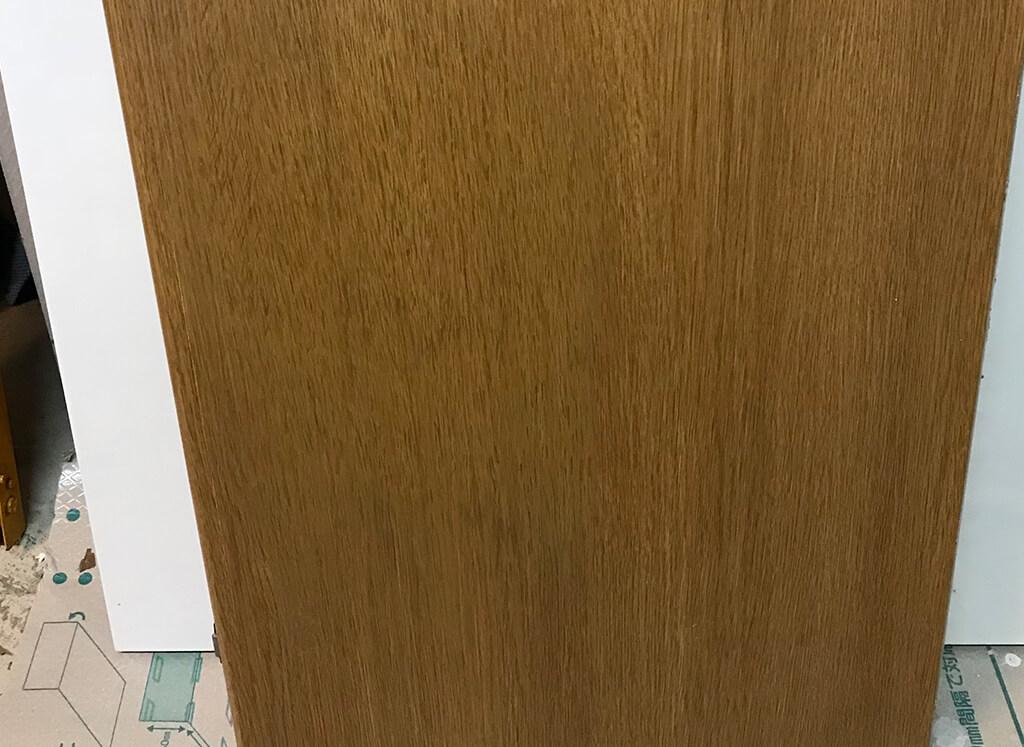 クローゼット扉 凹み
