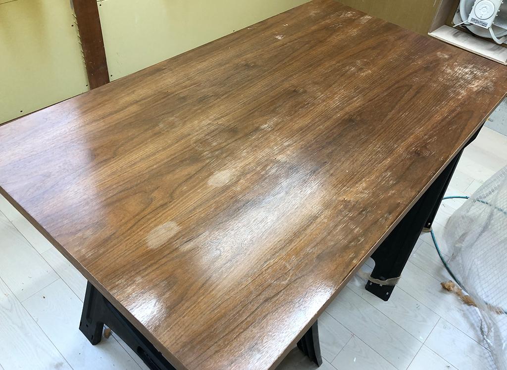 テーブル 染み・削れ